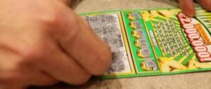 Nuova stangata sulla fortuna: salgono le tasse su Gratta&Vinci e SuperEnalotto