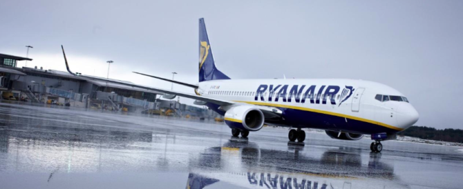 Londra, un areo della Rayanair è stato scortato a Stansted da un jet militare