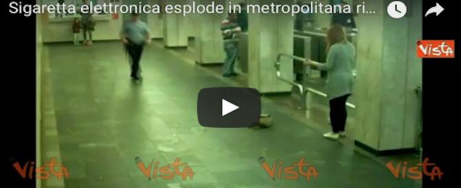 Sigaretta elettronica esplode nella borsa di una donna: panico in metro (VIDEO)
