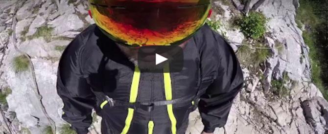 Base jumper, dagli Usa al Trentino, i video mozzafiato degli ultimi tuffi nel vuoto (VIDEO)