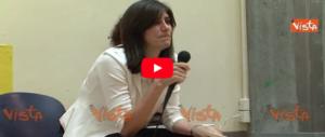 L'Appendino canta ai bimbi «Se sei felice»: ma a Torino c'è ben poco da stare allegri (Video)