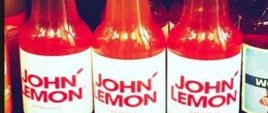 Yoko Ono fa cambiare il nome di una limonata: sfrutta il marchio John Lennon