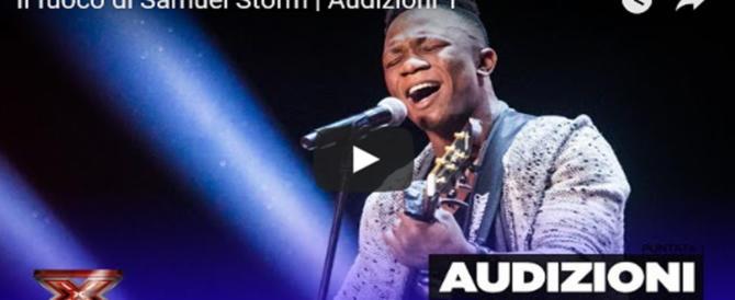 Anche X Factor sfrutta il migrante col barcone per fare ascolti (video)