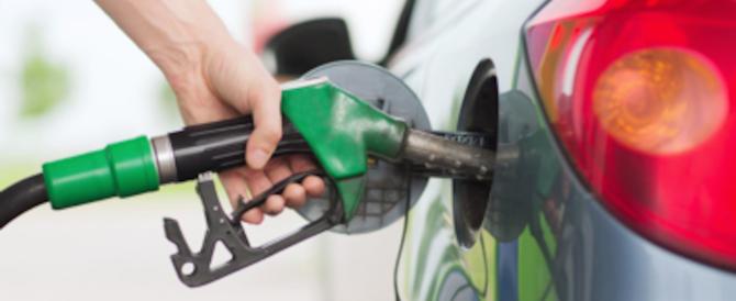 La benzina costa troppo: ecco come risparmiare in cinque mosse