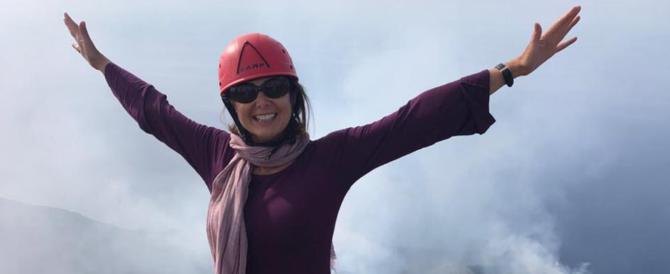 """Boldrini in gita turistica: operazione-simpatia con """"selfie"""" sul vulcano"""