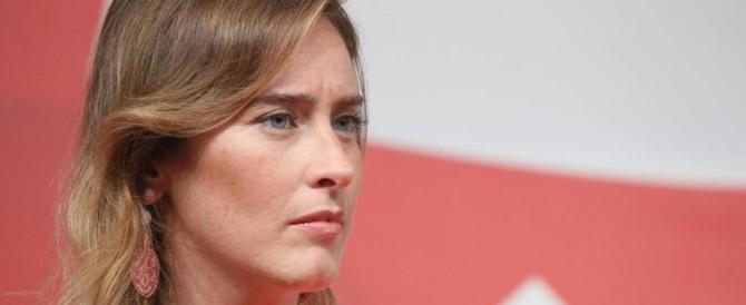 Gli stupri dei migranti, la Boschi fa la furba: «In famiglia avviene di peggio»