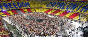 Spagna, gli indipendentisti catalani pronti a occupare i seggi nella notte