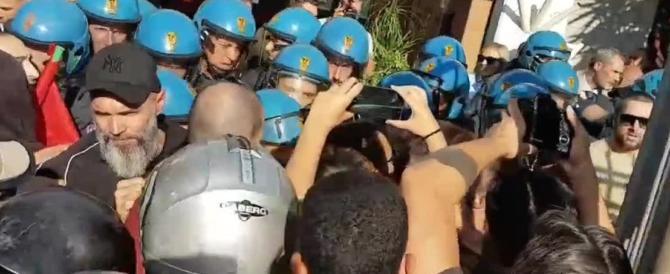 Tiburtino III, aggressione dei centri sociali al Consiglio di Municipio: feriti cittadini