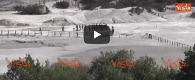 Famiglia inghiottita dal fango della Solfatara, ecco il cratere della morte (video)