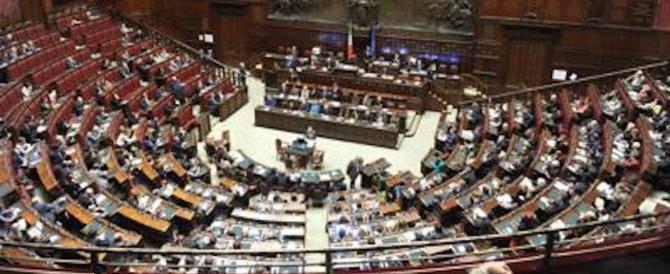 Cambi di casacca in Parlamento, è record: in 526 da un partito all'altro