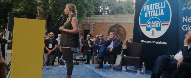 «Stupratori in galera, clandestini a casa»: la Meloni contro il padre dei marocchini