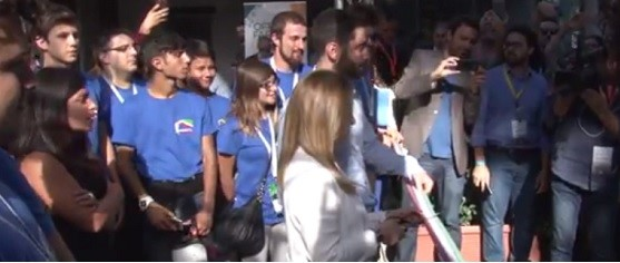 """Atreju al via. Meloni: """"Noi siamo l'Italia che non si arrende, che non scappa"""" (video)"""