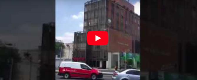 Terremoto, in Messico nuova forte scossa. Nella Capitale i palazzi oscillano (video)