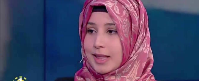 """""""Italiani razzisti, mi hanno fatto togliere il velo"""". L'arroganza della ragazza islamica"""