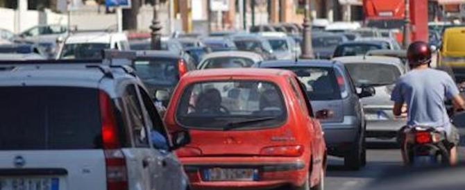 In Italia tasse record anche sulle auto: bollo, Iva, accise fra i più cari d'Europa