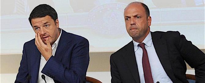 """Clandestini, Alfano: """"Sbarchi finiti"""". Ma non è vero, ne arrivano mille al giorno"""