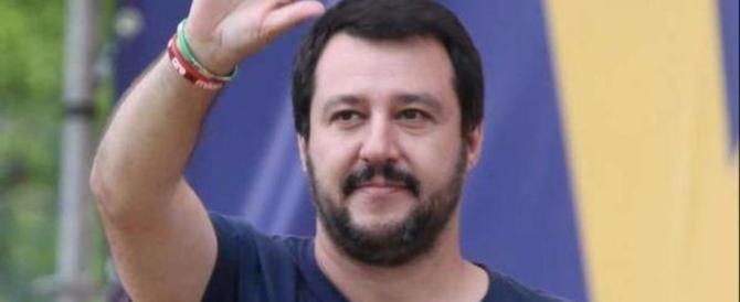 Salvini a Pontida: «Avanti senza soldi, la gente è in marcia con noi»