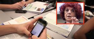 L'ultima follia della Fedeli: in classe con i cellulari. Chat, video e un po' di studio…