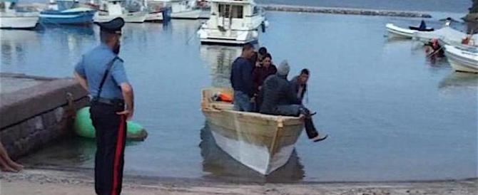 """Affari d'oro per l'""""agenzia di viaggi"""" algerina per clandestini: 180 sbarchi"""