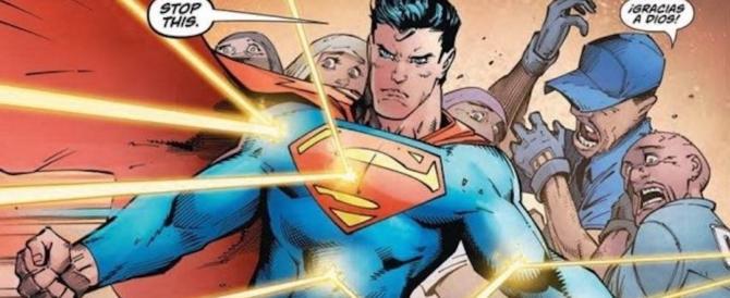 """Superman diventa sinistroide: difende gli immigrati dai """"bianchi razzisti"""""""