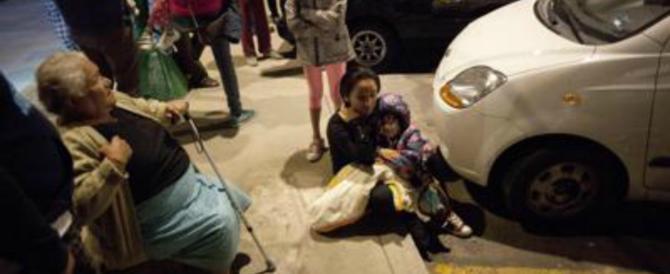 Violentissimo terremoto in Messico: vittime e terrore. Lo tsunami incombe