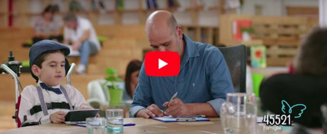 #Facciamolotutti, lo spot di Checco Zalone per aiutare i bambini affetti da Sma (Video)