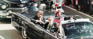 Trump: divulgherò tutti i documenti classificati sull'assassino di Kennedy (2 video)