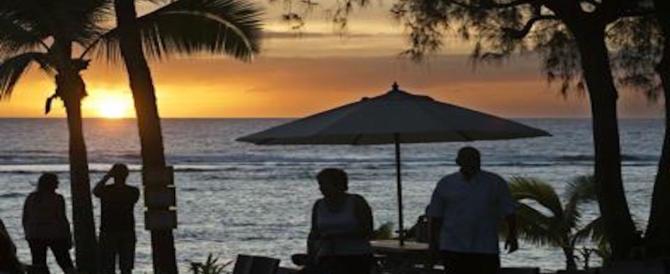 Alcol, sesso e droga offresi ai turisti: il pacchetto offerta dell'isola diventa un caso
