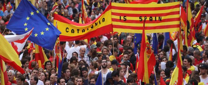 Barcellona, gli unionisti in piazza: «Siamo noi la maggioranza silenziosa»