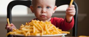 I bambini mangiano in modo sbagliato. A cominciare dalla colazione