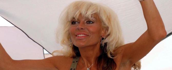 """Donatella Rettore su Twitter: «Sono malata». E lascia """"Tale e Quale show"""""""