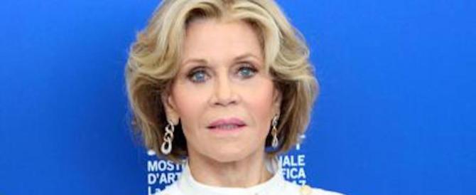 Jane Fonda attacca Trump per coprire il molestatore amico dei Clinton
