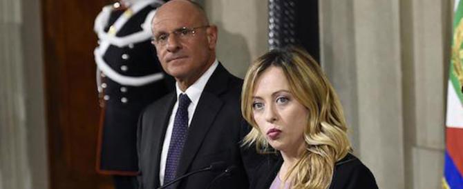 Immigrazione e Ong, FdI all'attacco di Soros e di Renzi: «Mandiamoli a casa»