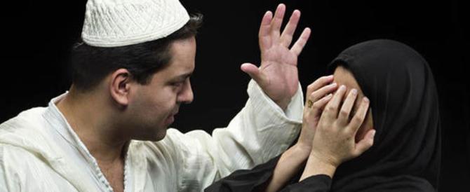 Calci e pugni alla moglie incinta, botte alle figlie se non pregavano: marocchino alla sbarra