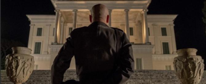 «Sono tornato»: un film ridicolizza Mussolini in nome della legge Fiano