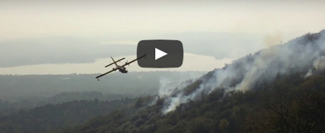 Incendi e roghi, non solo Piemonte: la flotta di Canadair in missione continua (VIDEO)