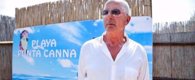 Spiaggia fascista, la procura archivia, il proprietario no: licenziato il bagnino del Duce