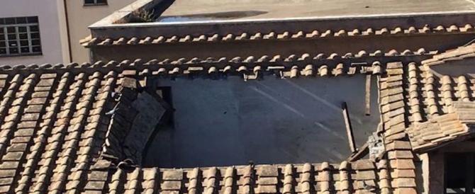 Paura a Roma, crolla il tetto del liceo Virgilio: nessun ferito, studenti evacuati
