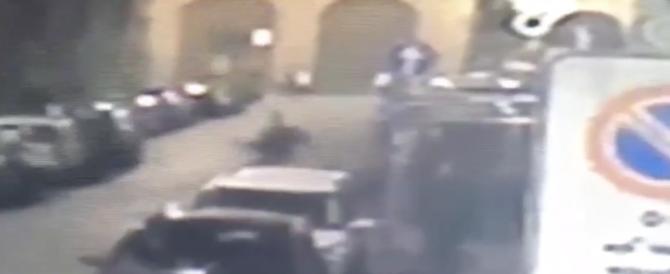 """Terrore in discoteca a Firenze: assalto con le spranghe al grido di """"Allah Akbar"""""""