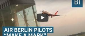 """Folle atterraggio dello """"Schettino tedesco"""": le immagini da bordo (video)"""