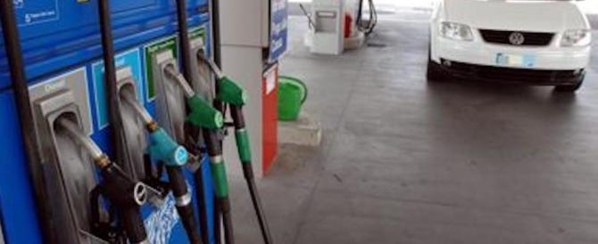 Benzina e diesel, per gli automobilisti arriva la batosta: ecco gli aumenti