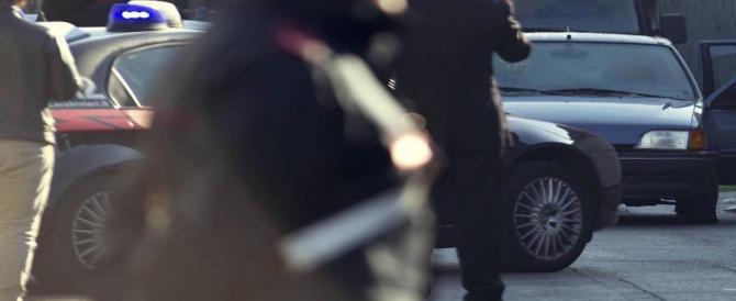 Roma, guerra tra bande: sudanese deruba gambiano. Le urla richiamano i carabinieri