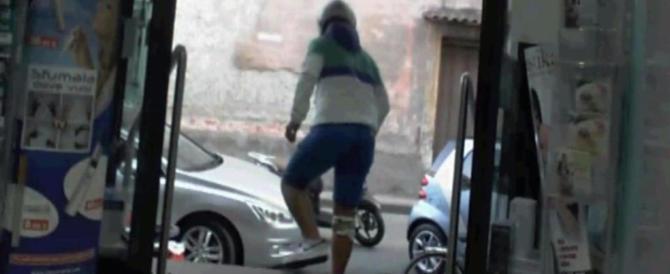 Roma criminale, armato di coltello, compie 3 rapine in un'ora: arrestato