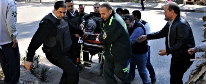 Egitto, assassinato con una mannaia un prete copto al Cairo