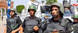 Strage nell'oasi: uccisi 55 poliziotti egiziani in uno scontro con gli islamisti