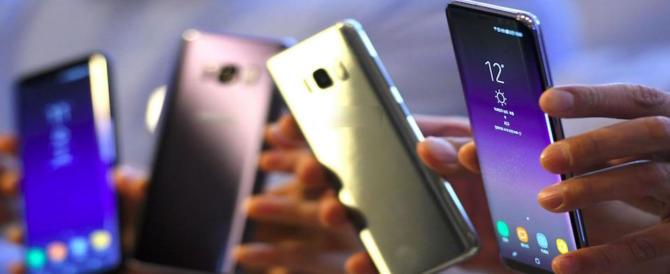 Brescia, prof disperati: per una settimana niente smartphone