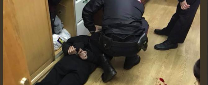 Russia, giornalista della radio statale ferita a coltellate in redazione