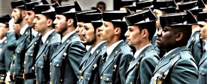 Madrid evoca il golpe e ha già deciso come reagire. Puigdemont in difficoltà