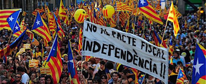 I separatisti rispondono con cortei e attacchi hacker contro Madrid