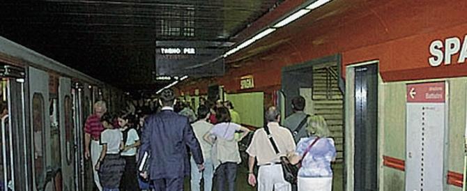 Metro impossibile per i disabili: il giudice condanna il Comune di Roma